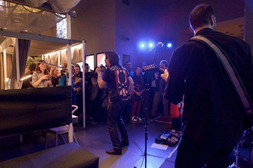 gruppo musicale presente ad evento Faram